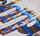この写真はラバーと昇華印刷の比較画像です。